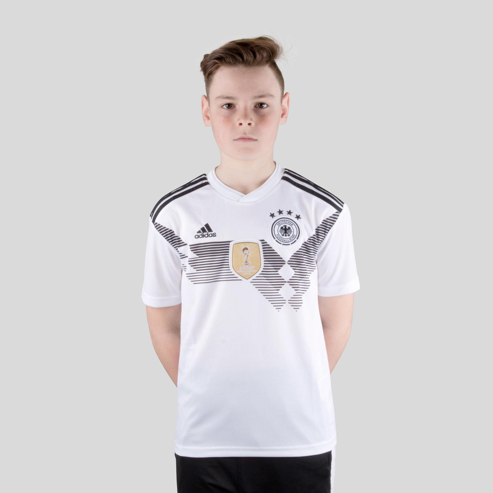 a7c7988d1 adidas Unisex Germany 2018 Home Kids S S Replica Football Shirt Top Sport
